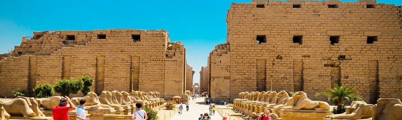 Private day tour to Luxor from Aswan by vehicle