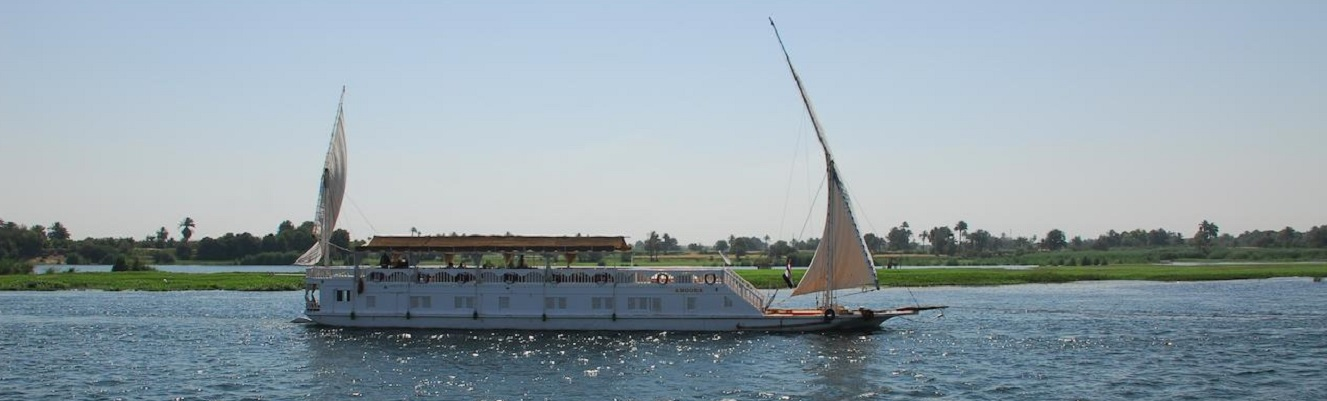 4 Day Amoura Dahabiya Nile Cruise Aswan to Esna