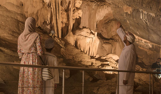Hoota cave and Nizwa Tour from Muscat map