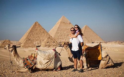 12 Day Luxury Dahabiya Nile Cruise and Egypt Pyramids Tours