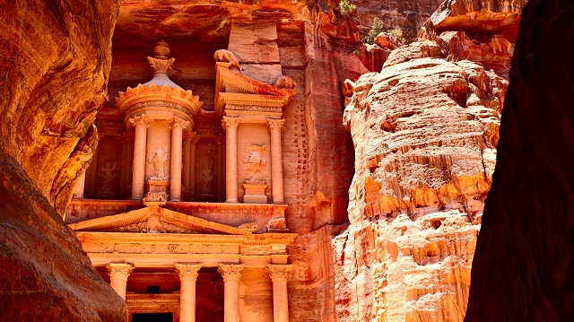 Road to Petra, Trip To Jordan