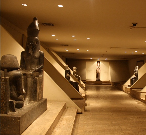 Tour to Luxor Museum and Mummification Museum