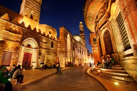 Private Tour to Pyramids, the Egyptian Museum and Khan Khalili
